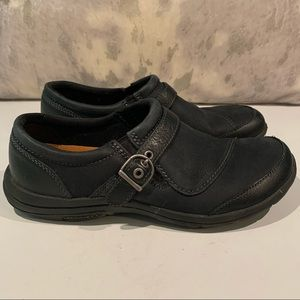 COMFORTABLE MERRELL WALKING SHOES SIZE 8
